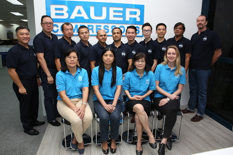 The team of the BAUER subsidiary in Singapore